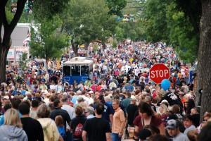 crowd-300x200